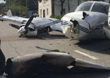 شاهد تحطم طائرة على الطريق في أمريكا