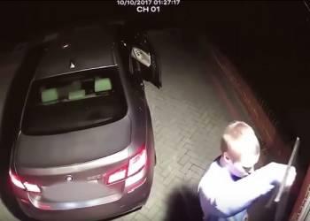 شاهد سرقة سيارة في ام دبليو في اقل من دقيقة