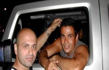 تعرف على سيارة عمرو دياب المفضلة
