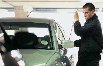 تعلم 5 طرق لتحمي سيارتك من السرقة