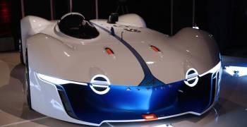 سيارة مستوحى من الفضاء تظهر على أرض الواقع