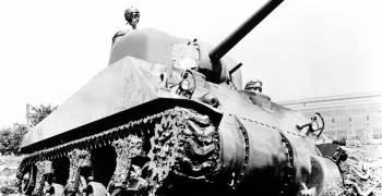 كرايسلر تسلط الضوء على مشاركتها في الحرب العالمية الثانية