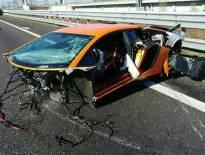 لمبرجيني افنتادور SV تتعرض لحادث مروع