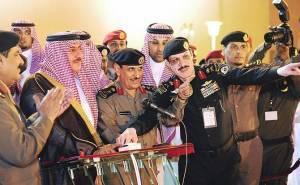 الأمير محمد بن نايف يدشن الدوريات الجديدة والزي