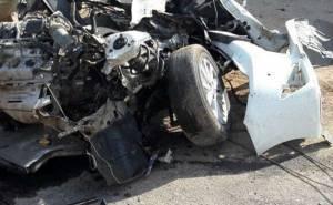 انشطار سيارة ومقتل سائقها بعد الاصطدام بعمود بالسعودية 02