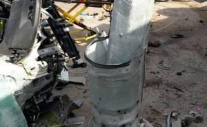 انشطار سيارة ومقتل سائقها بعد الاصطدام بعمود بالسعودية 05