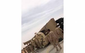 انقلاب شاحنة عسكرية تحمل مدرعتين بالسعودية