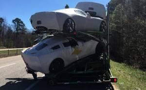تحطم سيارات كورفيت اثناء شحنها