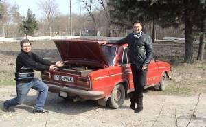 تعديل السيارات لتعمل على الحطب لمواجهة ارتفاع اسعار البنزين-04