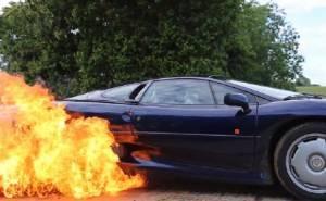 دقيقة من الدريفت الناري على متن السيارات الفائقة