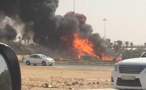 حادث انقلاب واشتعال ناقلة وقود في الرياض