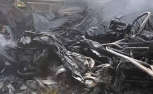 حريق في محلات للاطارات وتزيين السيارات في ابوظبي