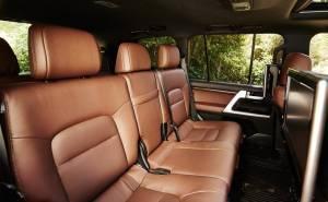داخلية سيارة تويوتا لانكروزر 2016