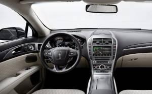 داخلية سيارة لينكولن MKZ 2017