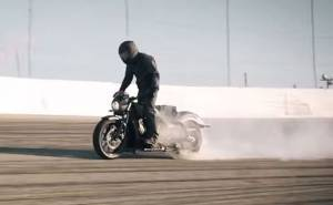 دراجة نارية جديدة