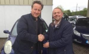 رئيس وزراء بريطانيا يشتري لزوجته سيارة مستعملة ورخيصة