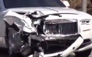 والدة كردشيان توثق أول حادث على متن رولز رويس داون