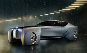 رولز رويس تفاجئ الجمهور بإطلاق سيارة لعام 2040