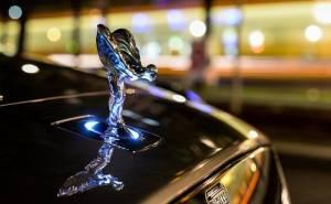 معلومات رسمية عن شكل أول سيارة SUV من رولز رويس