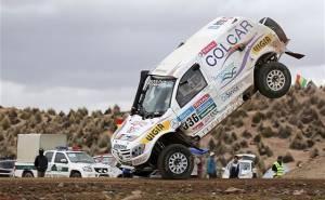 سيارة المتسابق الارجنتيني تتعرض لحادث