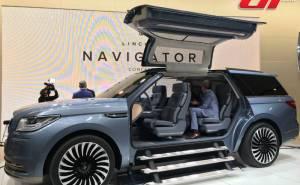 سيارة لينكولن نافيجيتور 2017