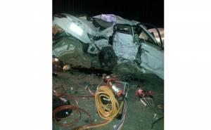 سيارة هونداي تتحطم بعد اصطدامها بسيارة اخرى ومصرع
