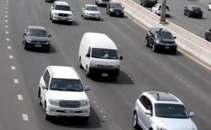 سائقة ترتكب 19 مخالفة في ساعة بدبي