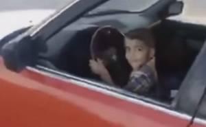 شاهد طفل عراقي يفحط بسيارة بي ام دبليو