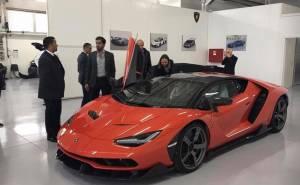 عربي أول من استلم سيارة لمبرجيني سينتيناريو الباهظة الثمن