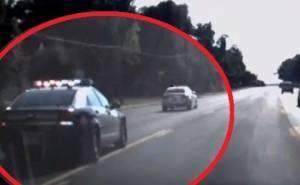 مطاردة شرطة لطفلة سرقت سيارة جدتها