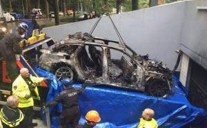 نقل اودي DTM RS6 المحترقة