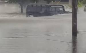 همر اتش 1 تتحدى مياه الفيضانات