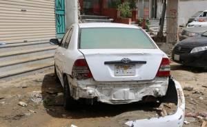 سيارات محطمة جراء السيول في مكة المكرمة السعودية
