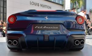 سيارة فيراري اف 60 امريكا