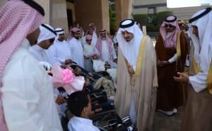 أمير عسير فيصل بن خالد مع ذوي الاحتياجات الخاصة