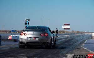 GTR بقوة 1600 حصان تقطع ربع الميل بزمن قياسي