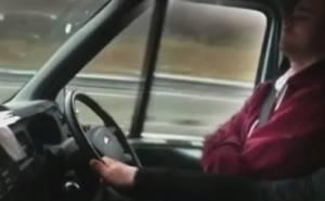 سائق نائم
