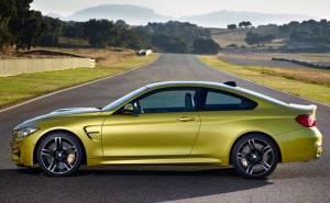 BMW M4 من الجانب