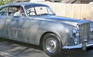 سيارة بنتلي