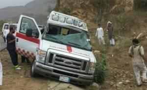 سيارة اسعاف سعودية تتعرض لحادث تعديل