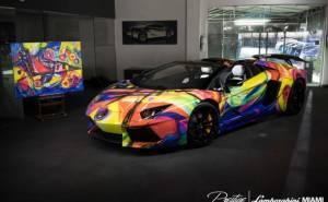 سيارة لمبرجيني افينتادور رودستر ملونة