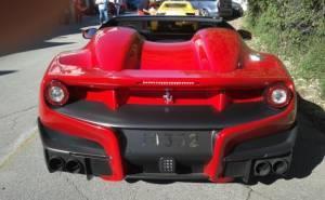 سيارة فيراري F12 TRS