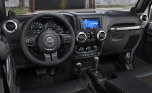 جيب رانجلر-Jeep Wrangler 2013-لوحة عدادات-شاشة-ملاحة-سي دي-جير-دركسيون