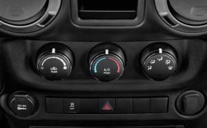 جيب رانجلر-Jeep Wrangler 2013-مسجل سي دي وملاحة وشاشة
