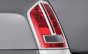 أضواء كرايسلر 300 2012 الخلفية