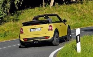 ميني كوبر S كابريو 2012 الصدام الخلفي والشكمان او العادم والاضواء الخلفية