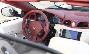 2011 Maserati Gran Cabrio مازيراتي جران كابريو-دركسيون