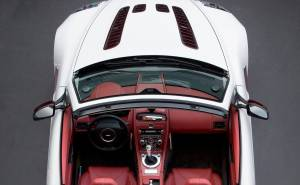 داخلية استون مارتن V12 فانتيج رودستر 2013