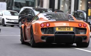 سيارة نوبل M600 النادرة تطلق اصواتها المتوحشة