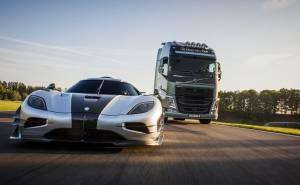 شاحنة فولفو اف اتش تتحدى أسرع سيارة في العالم